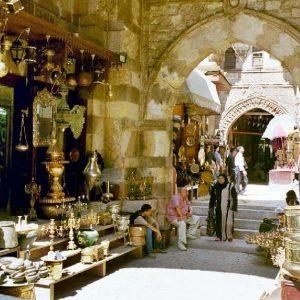 bazzar-khan-el-khalili-mercado-viejo-en-el-cairo