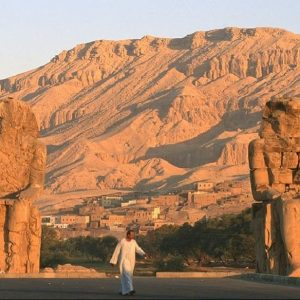 colosos-de-memnn-en-luxor-egipto_3