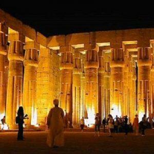 columnas-de-templo-de-luxor-egipto-en-atardecer