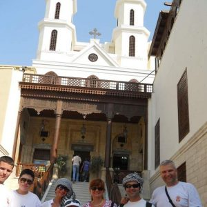 la-iglesia-colgante-en-copto-de-el-cairo